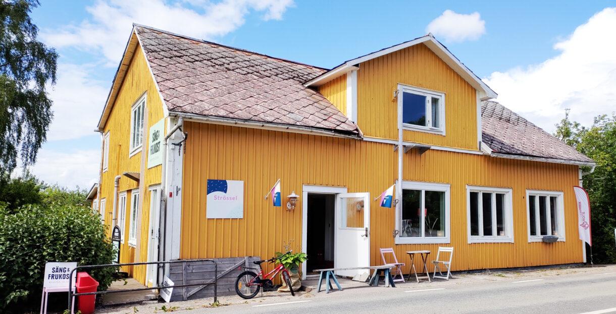 Ett foto av Runsten Säng och Frukost samt Strössel Glasskafé i Runsten på Öland.